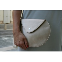 03_pebble_leather_clutch