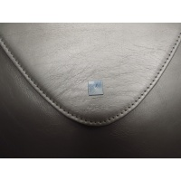 03_pebble_leather_clutch2
